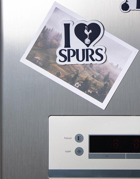 LOVE SPURS PU MAGNET